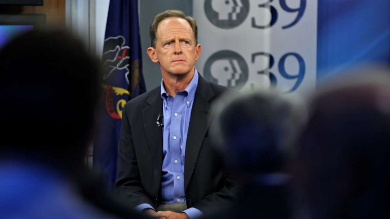 U.S. Sen. Pat Toomey holds a televised town hall with about 50 constituents at PPL Public Media Center in Bethlehem. (Emma Lee/WHYY)