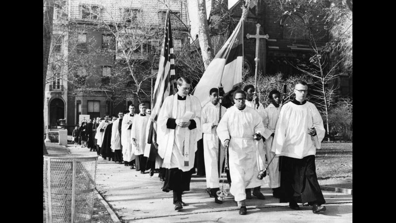 Episcopal peace fellowship members march in Rittenhouse Square on Nov. 26, 1967, to protest the war in Vietnam. (Courtesy of George D. McDowell Philadelphia Evening Bulletin Collection, Temple University Libraries)