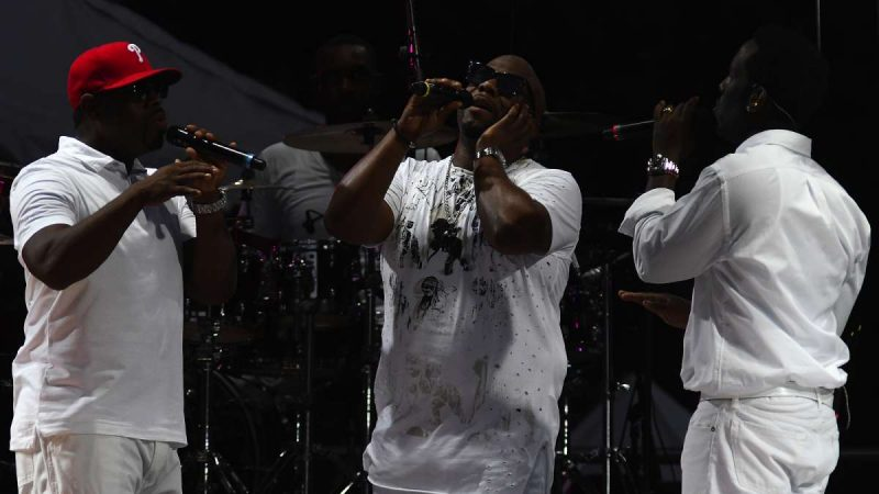 Boyz II Men perform during the Welcome America concert on the Parkway.