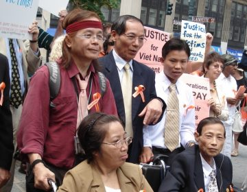 Ngô Thanh Nhàn is shown with Vietnamese Agent Orange victims at Folley Square, NY, June 18, 2007.