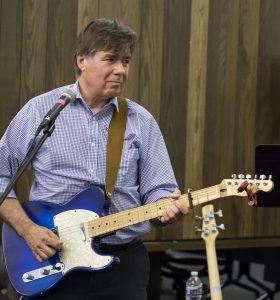 Guitarist Joe Lucia