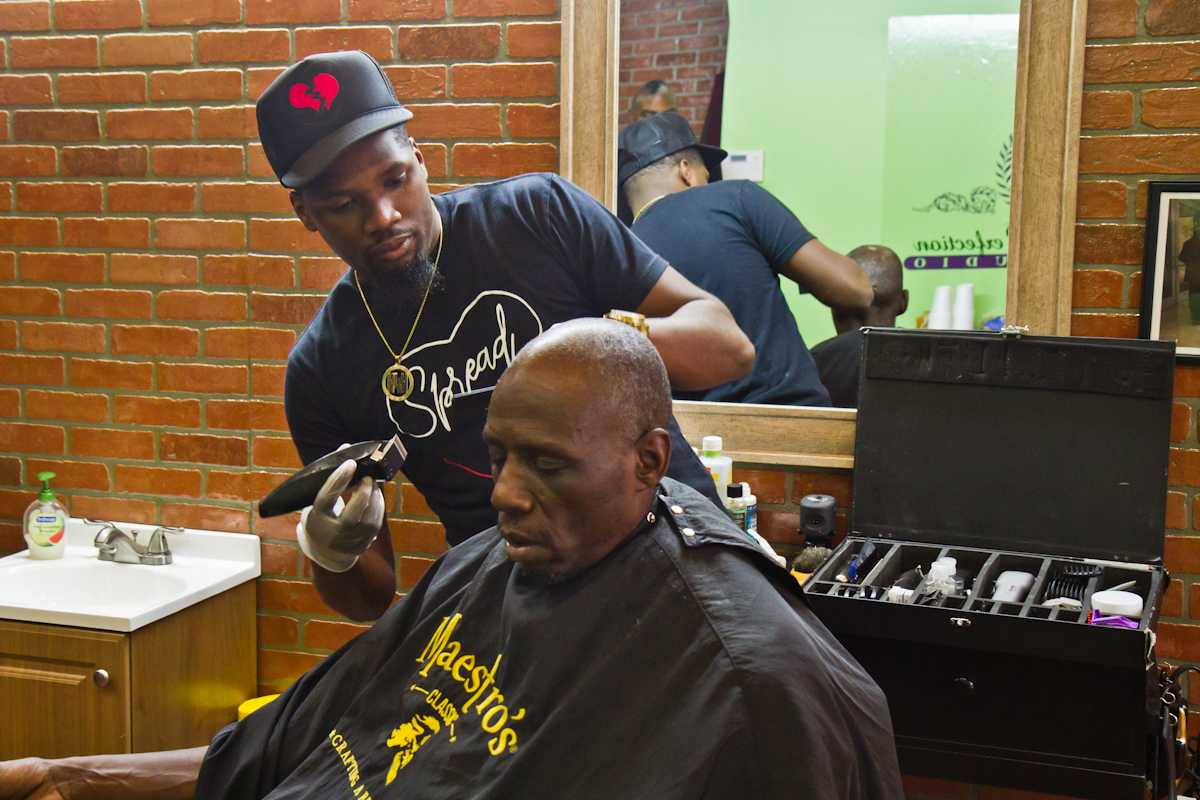 Philly Barber Offering Free Haircuts To The Homeless Newsworks