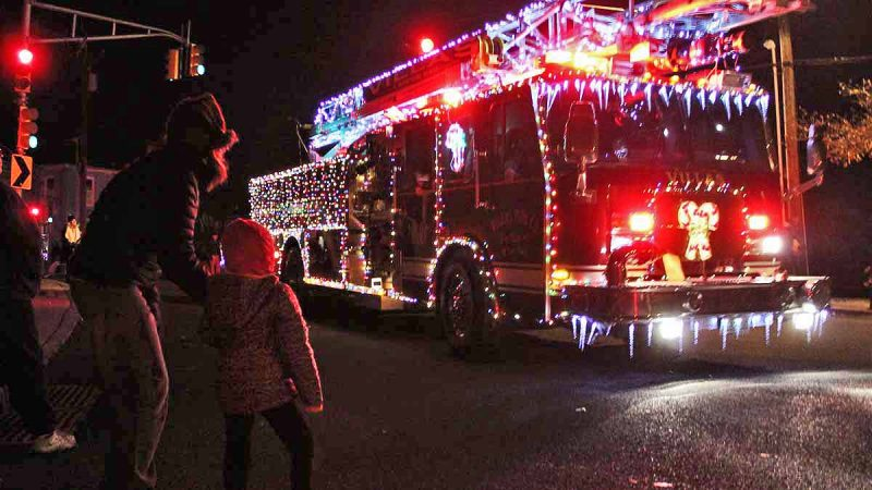 A fire engine at this year's West Cape May Parade held on Saturday, Dec 2, 2017. (Bill Barlow/for WHYY)