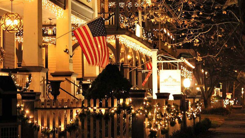 Cape May is lit up with decorated houses during the holiday season. (Bill Barlow/for WHYY)