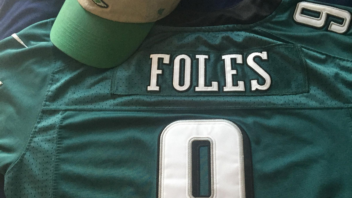 buy online faa4b 54e6e Eagles fans give jerseys — and Foles — another chance after ...