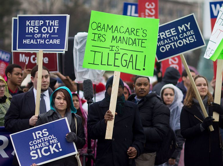 Opposition to Obamacare has been strong from the beginning. Demonstrators made their dissatisfaction clear in front of the Supreme Court in 2015. (Andrew Harrer/Bloomberg via Getty Images)