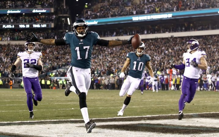 Philadelphia Eagles' Alshon Jeffery catches a touchdown pass during the first half of the NFL football NFC championship game against the Minnesota Vikings Sunday, Jan. 21, 2018, in Philadelphia.