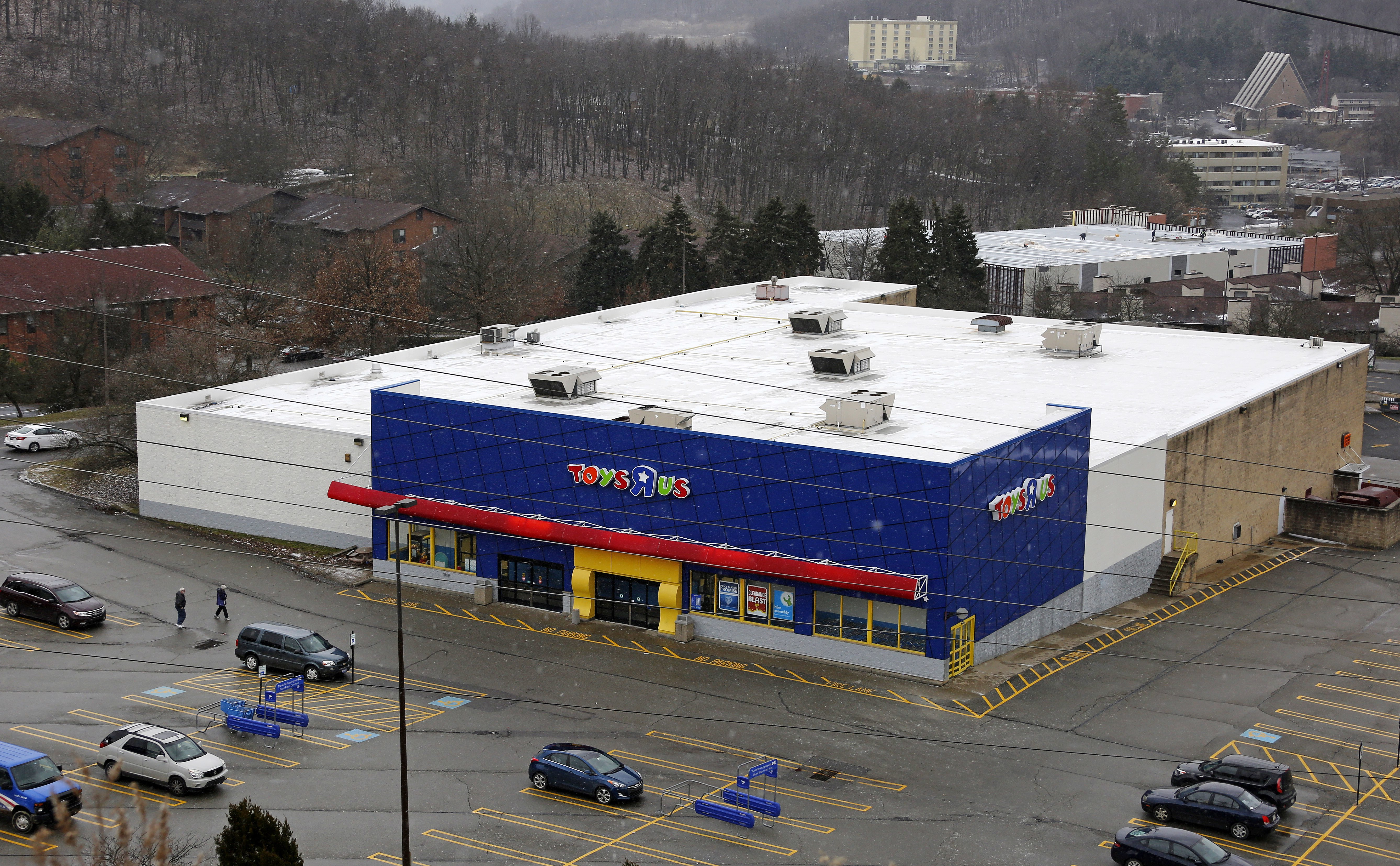 New Jersey-based Toys R' Us to close 182 stores