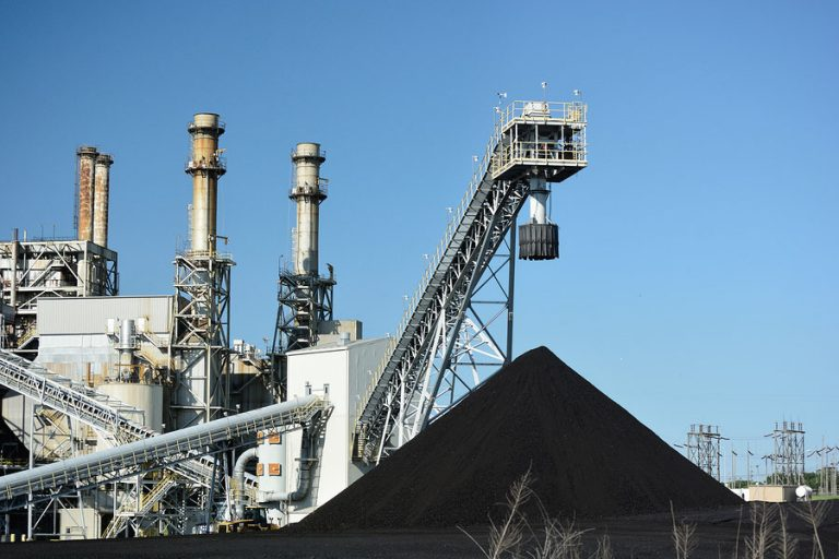 Large coal power plant. (Big Stock photo)