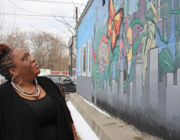 Erica Tunnell educates her neighborhoods about environmental threats. (Emma Lee/WHYY)