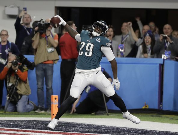 Philadelphia Eagles' LeGarrette Blount celebrates his touchdown run during the first half of the NFL Super Bowl 52 football game against the New England Patriots Sunday, Feb. 4, 2018, in Minneapolis. (AP Photo/Mark Humphrey)