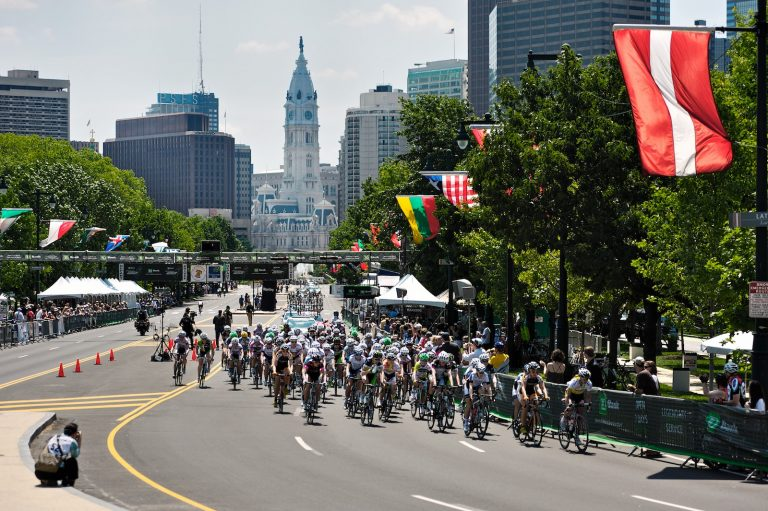 Riders take a lap through Philadelphia during the 2012 professional cycling race. (Bas Slabbers/for WHYY, file)