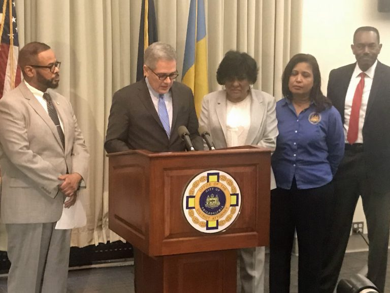 Philadelphia District Attorney Larry Krasner announces that the city's prosecutors will no longer seek cash bail for nonviolent defendants while they await trial.(Bobby Allyn/WHYY)
