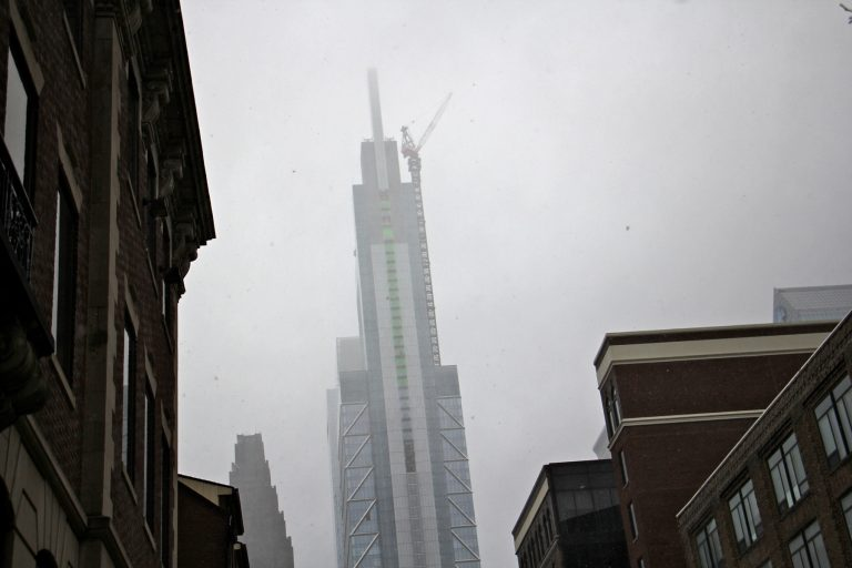 Large crane operations were suspended in Philadelphia for the day because of high winds. (Emma Lee/WHYY)