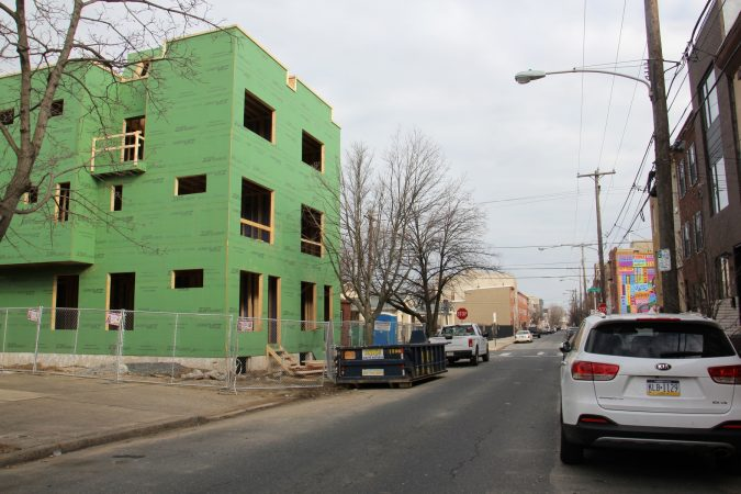 New construction on Ellsworth Street in Point Breeze. (Emma Lee/WHYY)