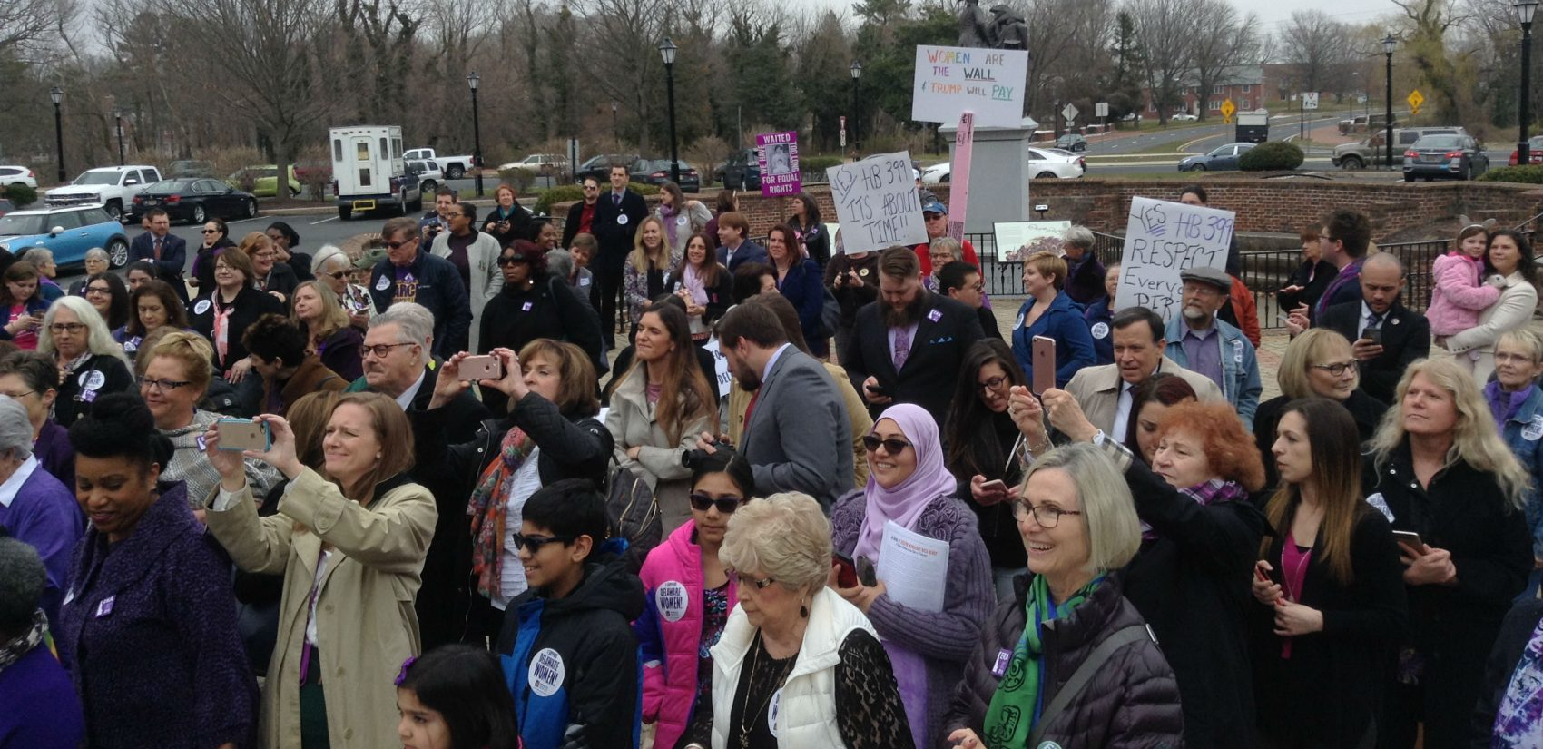 A big crowd shows support for the Equal Rights Amendment outside Legislative Hall in Dover. (Zoe Read/WHYY)