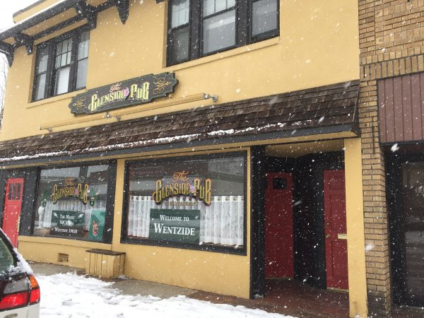 Many businesses — including the Glenside Pub — are closed. (Nora O'Dowd/WHYY)