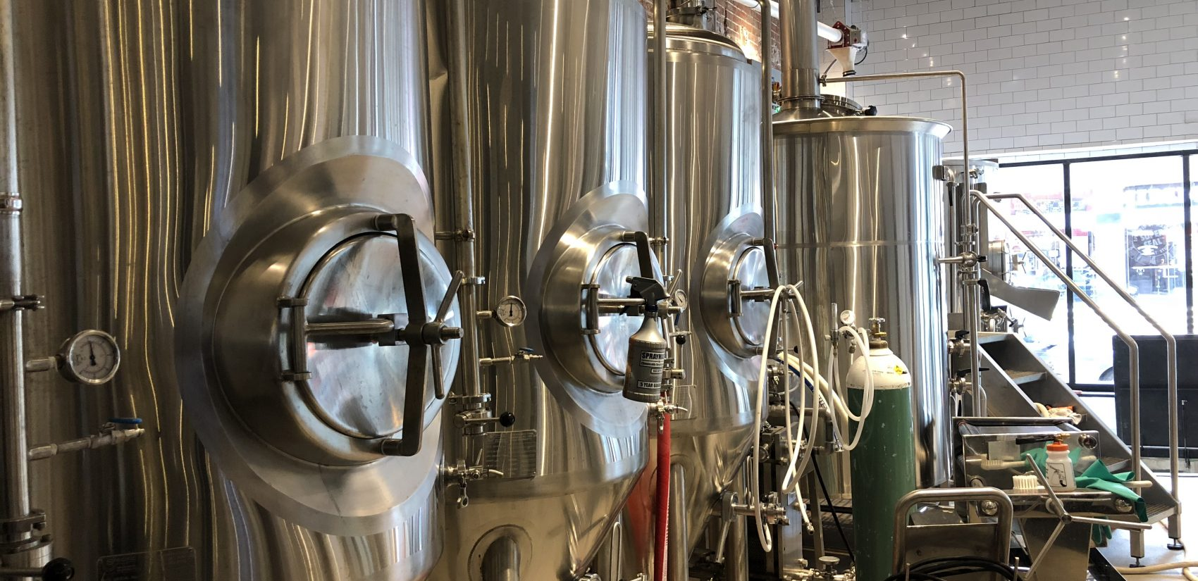 Brewery inside Stitch House brewpup on Market Street in Wilmington (Shirley Min/WHYY)