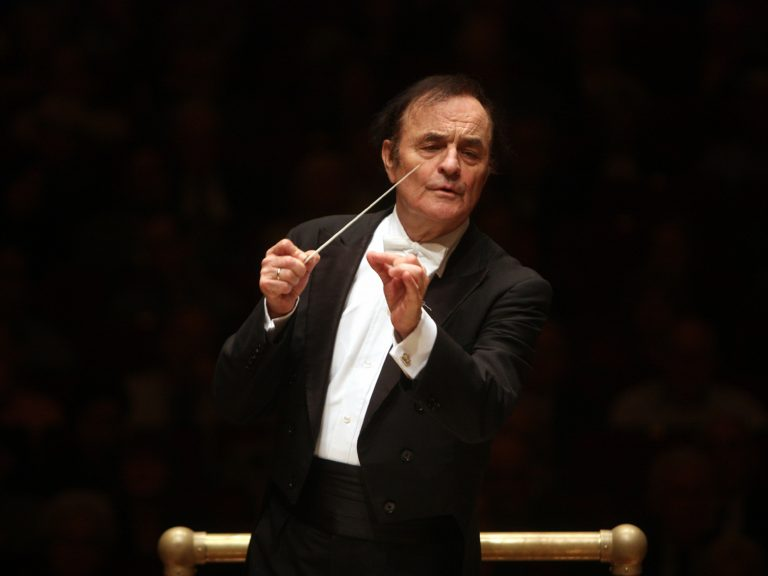Charles Dutoit, conducting the Philadelphia Orchestra at New York's Carnegie Hall in 2010. (Hiroyuki Ito/Getty Images)