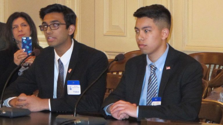 High school students Varun Seetamraju and Jason Lam tell lawmakers the legislation would empower thousands of first-time voters to participate in primary elections.  (Phil Gregory/WHYY)
