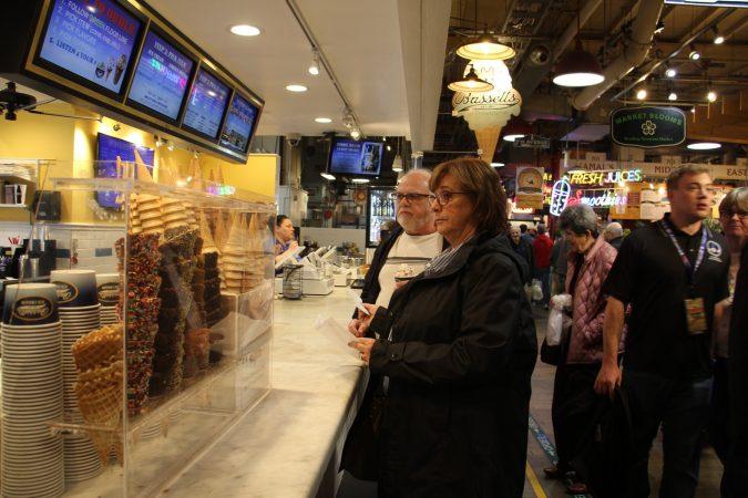 Bassetts Ice Cream at Reading Terminal Market. (Emma Lee/WHYY)