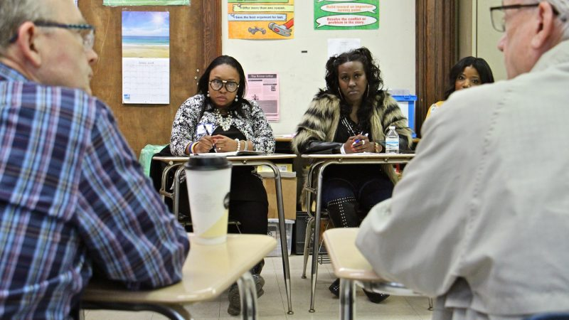 North Philadelphia mothers Charlotte Greer (left) and Syreeta Campbell participate in a discussion about the future of Philadelphia schools. (Emma Lee/WHYY)