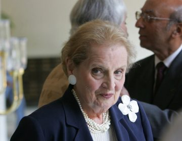 """Former U.S. Secretary of State Madeleine Albright arrives to address an interactive session on """"America, India and Democracy in the 21st Century"""" in New Delhi, India, Tuesday, Sept. 5, 2006. The session was organized by The Aspen Institute India and Confederation of Indian Industry. Also seen background right is President of The Aspen Institute India Tarun Das. (AP Photo/Gurinder Osan)"""