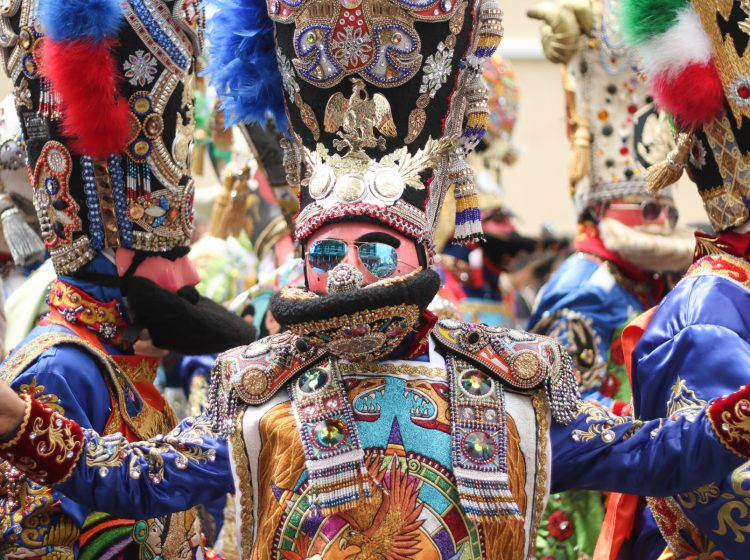 The elaborate costumes of the annual Carnaval de Puebla draw comparisons to the Mummers.