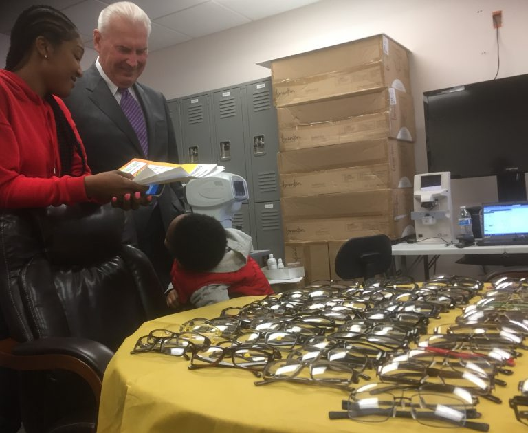 Mayor Mike Purzycki toured a free eye care event in Wilmington.  (Zoe Read/WHYY)