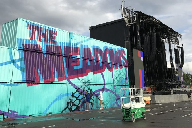 The Meadows Arts and Music Festival main stage design, Queens, New York, 2017 (Image courtesy of Glossblack)