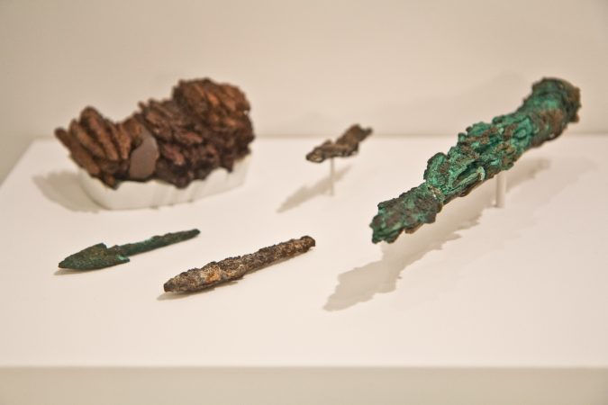 Arrowheads at the Penn Museum's Middle East Galleries. (Kimberly Paynter/WHYY)