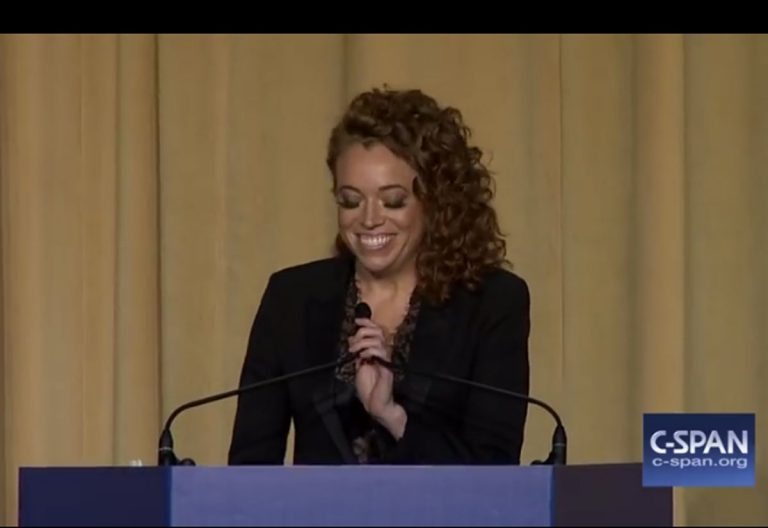 Comedian Michelle Wolf at the 2018 White House Corespondents Dinner (CSPAN)