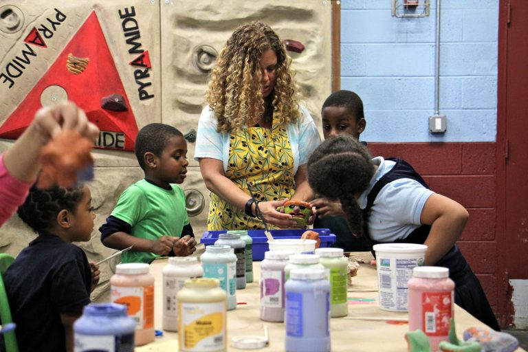 Emily Coleman leads a ceramics class at Olney Rec Center. (Emma Lee/WHYY)