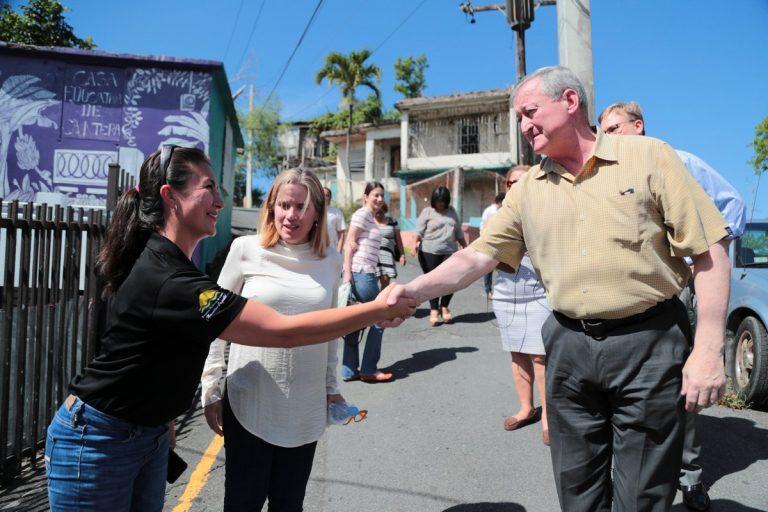 Mayor Kenney toured San Juan neighborhoods with Mayor Carmen Yulín Cruz.