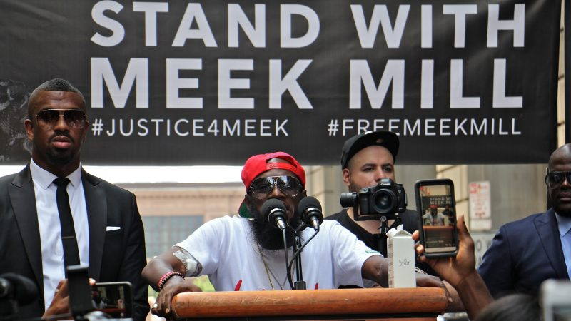 North Philadelphia rapper Leslie Edward Pridgen, better known by his stage name Freeway, speaks in support of Meek Mill at a rally outside the Criminal Justice Center. (Emma Lee/WHYY)