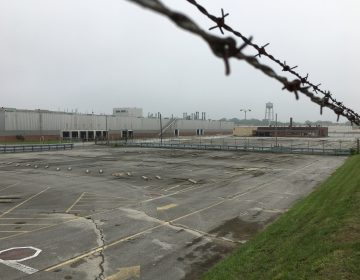 The former GM plant near Newport, Delaware has been vacant since 2009. New plans for a logistics and fulfillment center at the site could bring 2,000 new jobs to the area. (Mark Eichmann/WHYY)