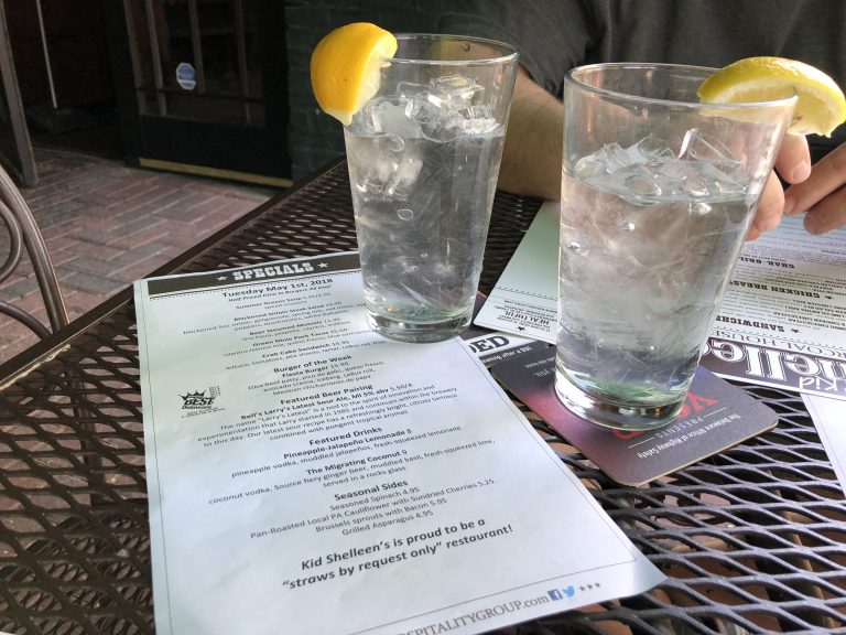 Kid Shelleen's is one of two dozen restaurants in Delaware that have adopted straws optional policies or banned plastic straws altogether.  (Shirley Min/WHYY)