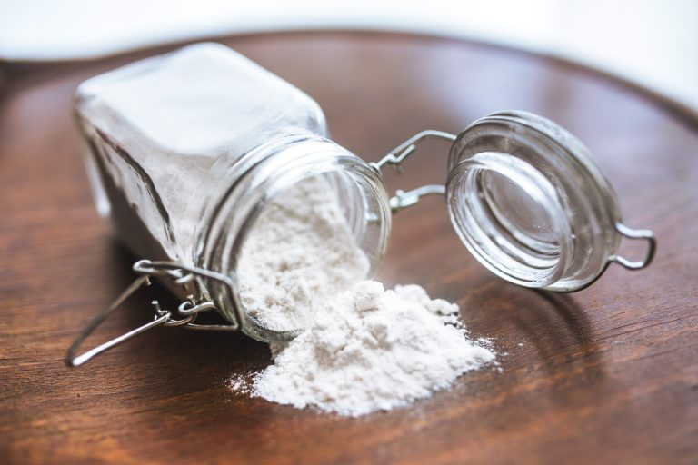 Baking soda could offer a cheap and accessible aid to cancer therapies. (Photo courtesy of Kaboompics)