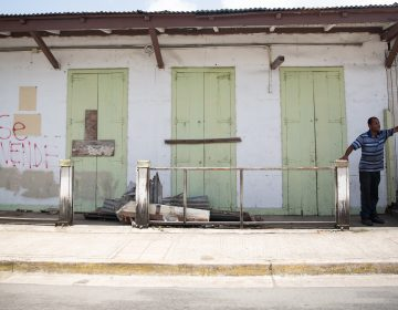 A building for sale in the town of Isabel Segunda in Vieques. (Ryan Caron King/Connecticut Public Radio)