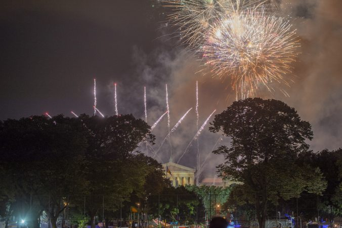 Fireworks rise above the Philadelphia Museum of Art seen from Von Colln Athletic Field. (Jonathan Wilson for WHYY)