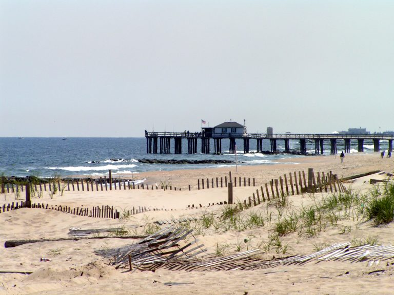 Ocean Grove beach. (By Jackie from Monmouth County, NJ, USA (Flickr) [CC BY 2.0  (https://creativecommons.org/licenses/by/2.0)], via Wikimedia Commons)