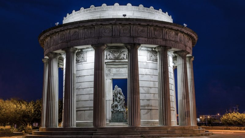Built in the style of a Greek temple, Atlantic City's monument to the men who served in World War I was erected in 1922. (Anthony Smedile for WHYY)