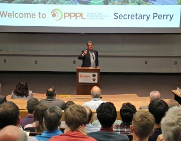 U.S. Seretary of Energy Rick Perry speaks to scientists at Princeton Plasma Physics Laboratory.