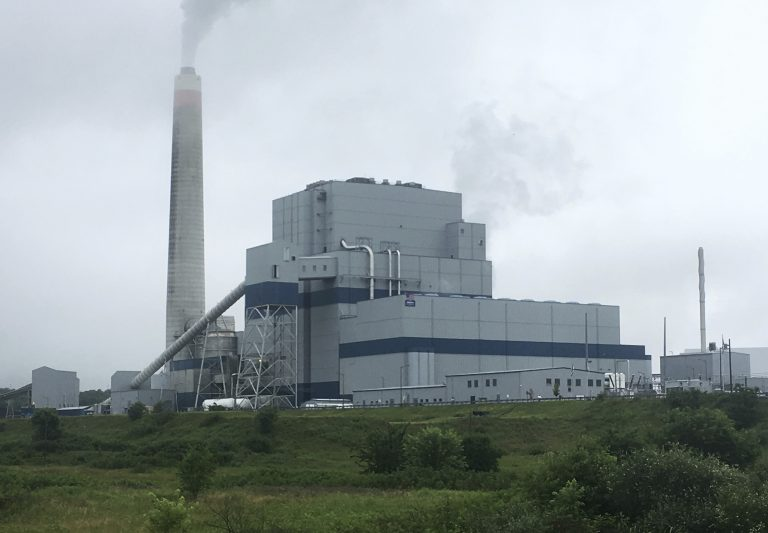 The Longview Power Plant in Maidsville, W.Va.,Thursday, July 6, 2017. Operators of the coal-burning plant, a new plant that began producing power in 2011, report higher efficiency and lower emissions than other U.S. coal-fired power plants. (Michael Virtanen/AP Photo)