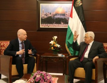 Special representative for international negotiations, Jason Greenblatt (left) and Palestinian President Mahmoud Abbas (right) meet in Ramallah, West Bank on May 25, 2017. (Anadolu Agency/Getty Images)