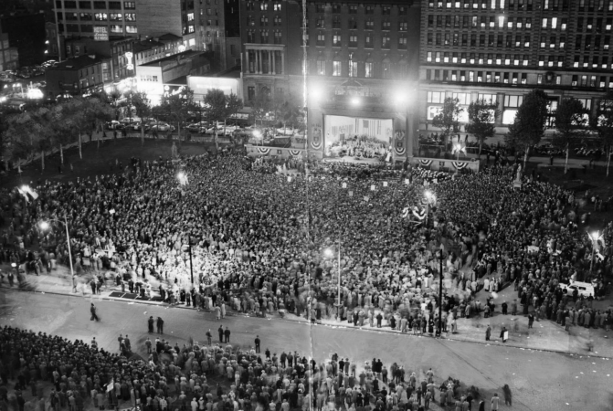 1952: Crowd jams Reyburn Plaza for President Truman's speech, Evening Bulletin | Special Collections Research Center, Temple University Libraries, Philadelphia, PA