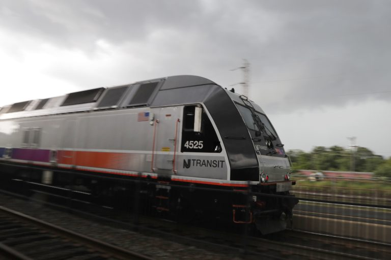 A New Jersey Transit train leaves the Bound Brook Station, Friday, Aug. 3, 2018, in Bound Brook, N.J. (Julio Cortez/AP Photo)
