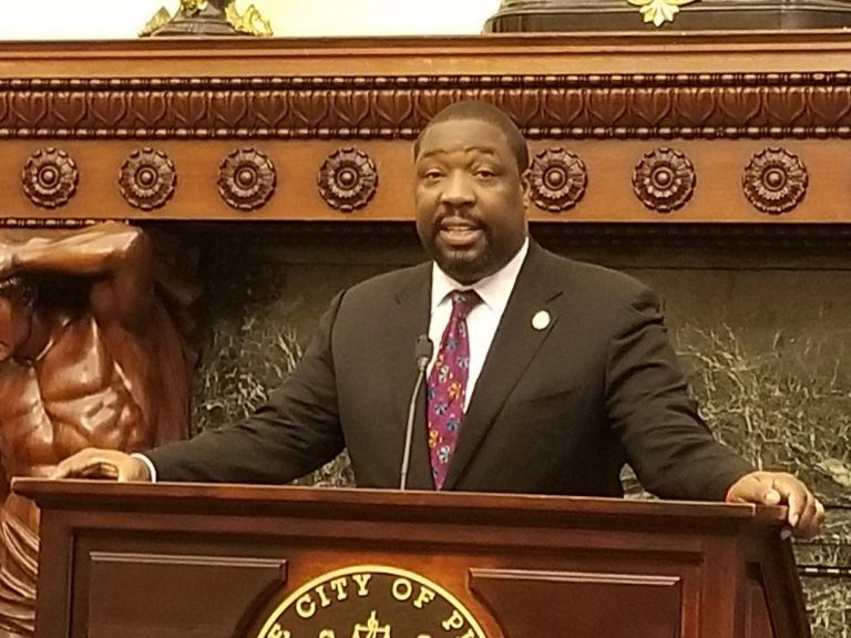 Philadelphia Councilman Kenyatta Johnson says the compromise worked out with the First Judicial District is part of a larger effort to make it easier for people to be released while waiting for trial. (Tom  MacDonald/WHYY).