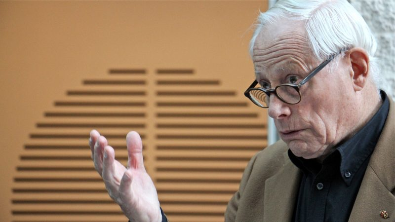 German designer Dieter Rams speaks at about the exhibition surveying his career at the Philadelphia Museum of Art. (Emma Lee/WHYY)