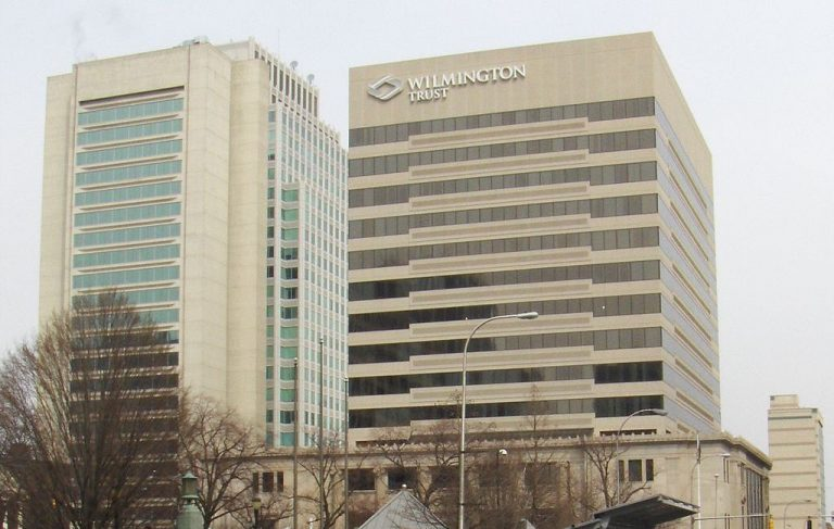 Wilmington Trust headquarters on Rodney Square in downtown Wilmington, Delaware. (Wikimedia Commons)